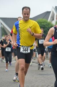 Willem Dekkers op weg naar een nieuw PR op 10 km.