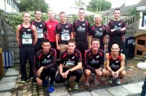 Tiental Achilles-LTV atleten vooraf aan de Halve Marathon Oostland
